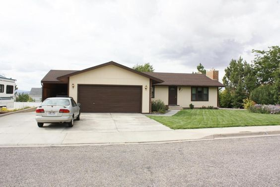 This is another fabulous home ownership opportunity at a really great price in Cedar City.   - 2322 sq.ft. - Upgraded kitchen - Massive enclosed carport + garage - Five beds - Three full baths - Jetted tub - Finished Basement - Immaculate back yard  Click the link to find out more and call us to arrange a viewing - http://www.jaredzimmer.com/2155cedar  #CedarCity