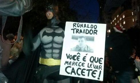 Canadauence TV: Manifestantes protestam contra a copa e Ronaldo o ...