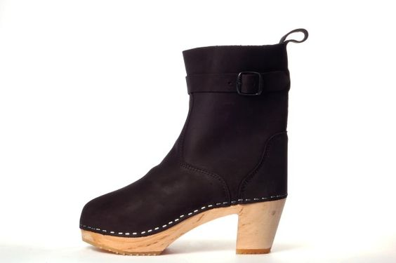 Clog inspired boots for fall / Katja A.
