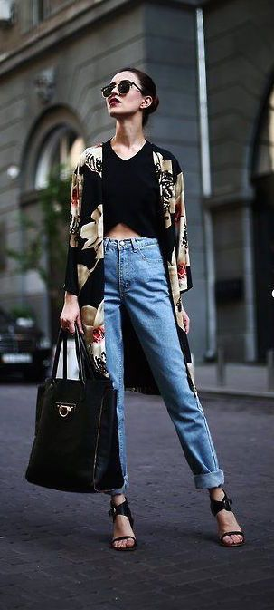 #street #style / floral kimono cardigan...gotta say, i really LOVE those Mom jeans!! LOL, who would've thought they'd come back!!: