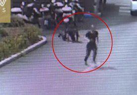 RT 60scn: فيديو لص يجازف بحياته ويقفز فى النهر للهروب من مطاردة الشرطة - . . . .  https://t.co/o30p0xC3fD https://t.co/x8tHK3aewb