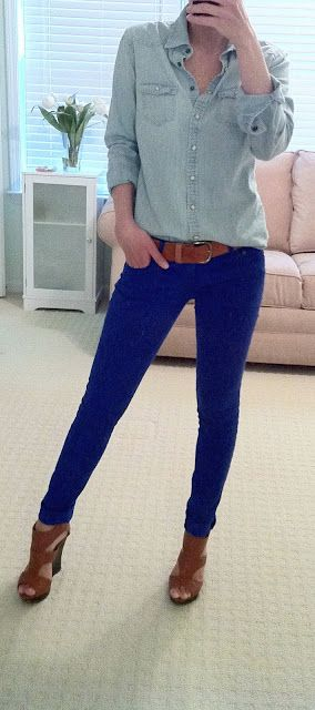 Fresh Colored Jeans Outfits