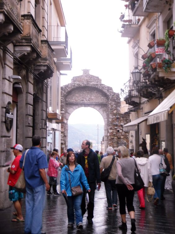 Sicile- rue de Taormina