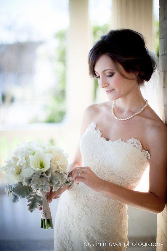 上品さを求めるならシンプルなパールネックレスがおすすめ♡ 結婚式に付けたい花嫁のネックレスまとめ。ウェディング・ブライダルの参考に☆