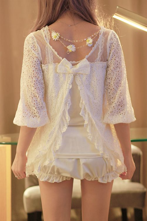 ピンクの砂糖 (◕‿-)~♥  Kawaii fashion love the lace detailing with the bow so totaly me: