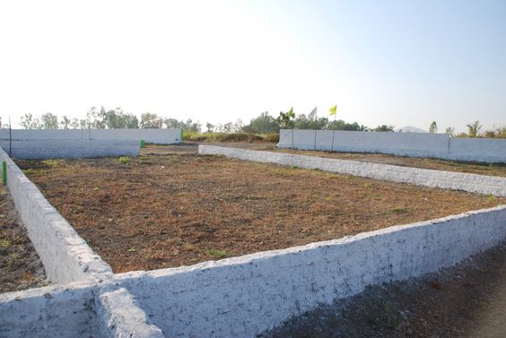 A Magnificent Project of FARM HOUSE PLOTS spread over 3 acres & located at a scenic location, near Shri. Saibaba Temple, shirgaon and just 1.5 Kms from Subrata Roy Sahara Stadium, Gahunje, Pune. The proximity to Pune( 25Kms approx), Subrata Roy Sahara Stadium, Gahunje (1.5 Kms), as well as Mumbai (125 Kms) and the enhanced connectivity from all possible destinations .Minimum plot size 1198 Sq.ft to 4000 Sq.ft.