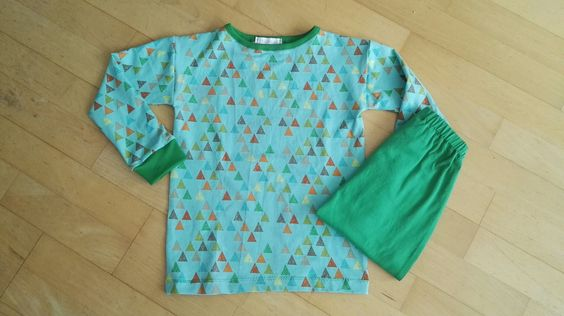 Free motion sweaterbroek, dude tricot shirt met lange mouwen, Ottobre 4/2016, maat 122