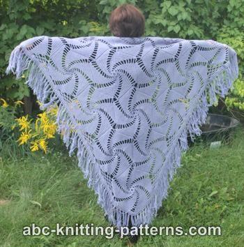 Intermediate hexagonal shawl