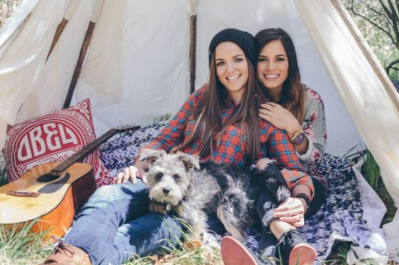 lake arrowhead lesbian dating site Beautiful lake arrowhead cabin:  this is our palm springs and california's southern deserts gay travel section  both singles and couples,.