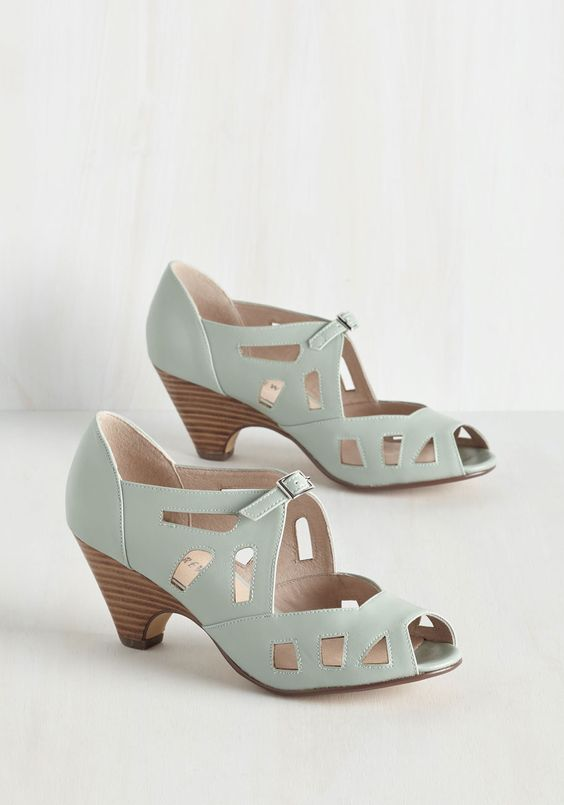 Window of the Sole Heel | Vintage inspired Spring shoes and Spring