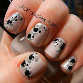 Neutral dots nail art.