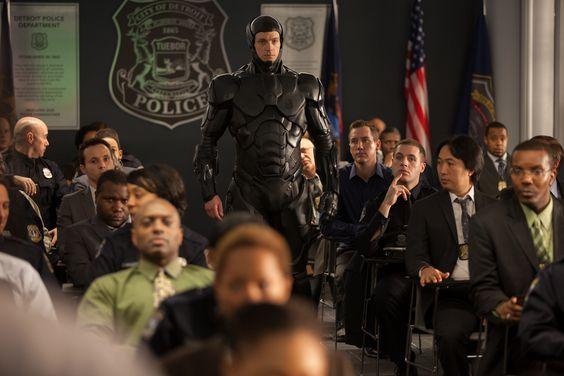 A partir de ahora las calles estarán a salvo de la alta criminalidad. ¡#RoboCop se encarga de ello!