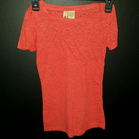 BKE shirt by buckle This is a BKE shirt by buckle.  Its a size small and in good condition.  Classic BKE look at an affordable Price BKE Tops Tees - Short Sleeve