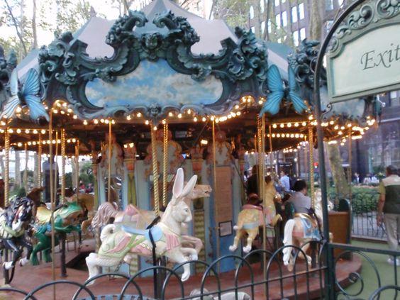 Dreamy Bryant Park Carousel, photo T.de la Guardia