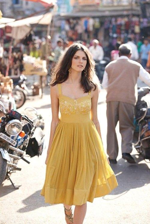 yellow dress, full skirt