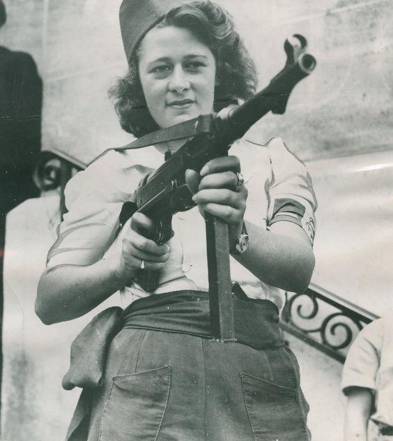 Simone Segouin, résistante française, 1945