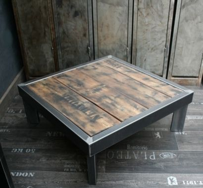 Tables salons and loft on pinterest for Fabriquer une table en bois de palette