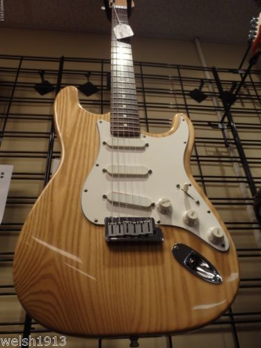 1990 usa natural fender stratocaster plus deluxe guitar locking tuners lace. Black Bedroom Furniture Sets. Home Design Ideas