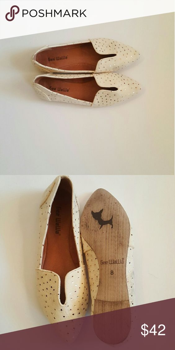 Gee Wawa (Anthropologie) cream and gold flats Cream and gold detailed flats from Anthropologie. Only worn once. These shoes are structured, so probably best for narrow to medium foot widths. Anthropologie Shoes Flats & Loafers