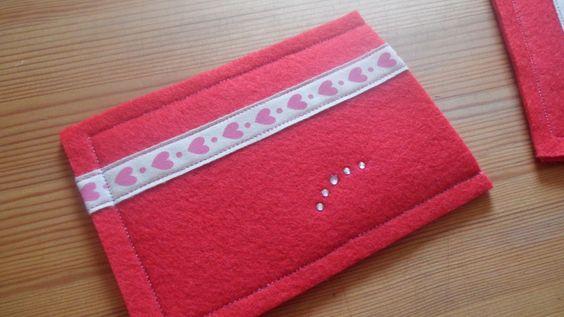 Taschen für Handys & Co. - bykataryns Webseite!