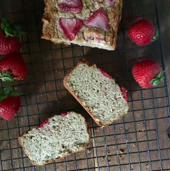 #Grainfree and #dairyfree Almond Flour Bread!  My favorite Whole 30 approved bread recipe!!