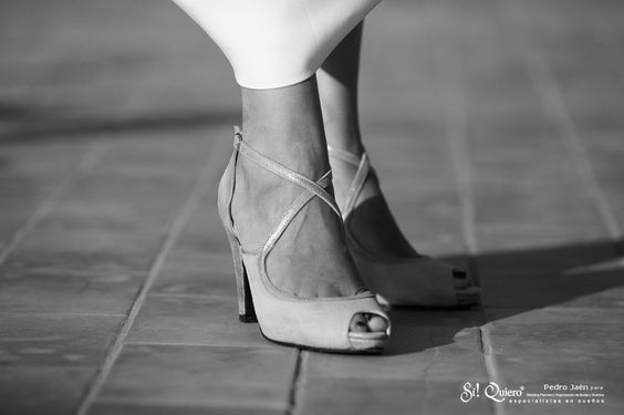 """Y como ‪#‎complementos‬ unos ‪#‎zapatos‬ de ‪#‎novia‬ de JorgeLarranaga.com..."" ‪#‎WEDDING‬ ‪#‎SHOES‬ ‪#‎PLATFORMPUMPS‬ ‪#‎PEEPTOES‬ ‪#‎HEELS‬ ‪#‎MADEINSPAIN‬ ‪#‎FASHION‬ ‪#‎WEDDINGSHOES‬ ‪#‎CUSTOMMADE‬ 2016:"