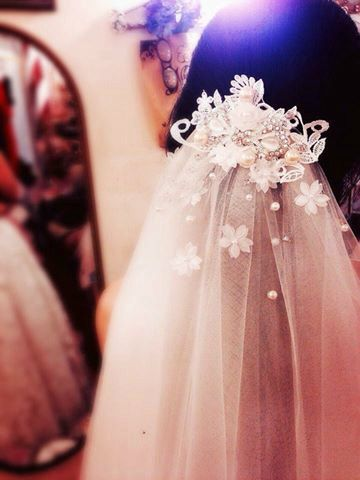 Ewige Liebe - handgemacht - eins seiner Art - das Hochzeitssuite Stirnband