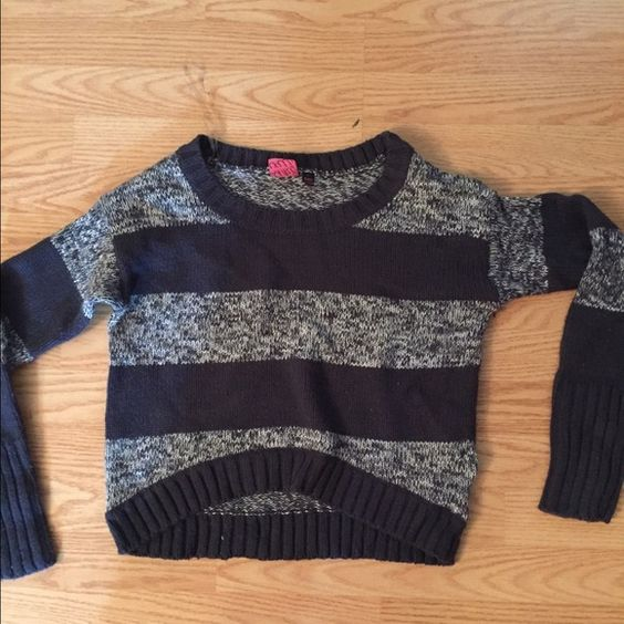 Navy and blue gray striped cropped sweater Great condition cropped navy and blue gray stipend sweater Take out  Sweaters