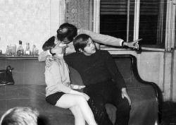 dadsaretheoriginalhipster: Demandez la femme de ton père de meilleur ami comment il était lisse.