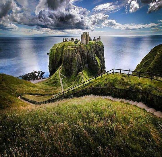 Dunnottar Castle , Scotland by Alberto Ghizzi Panizza