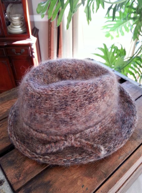 Ladies Vintage Italian Wool Hat Fedora Cloche by thejadedorris