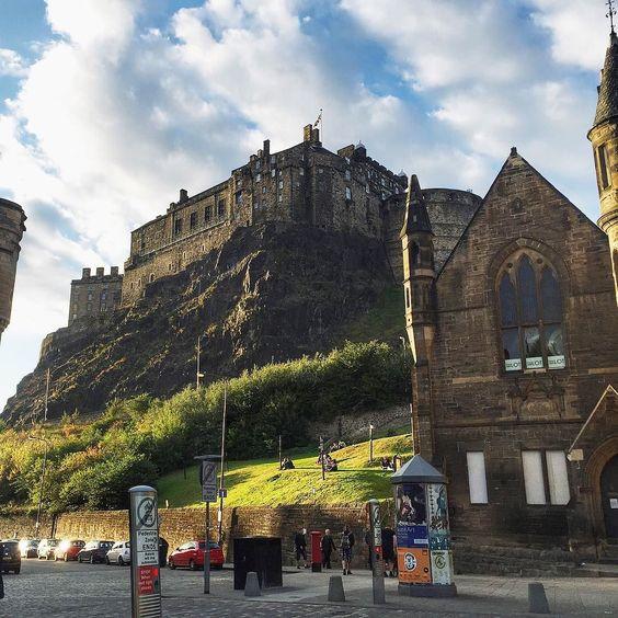 #edinburgh #uk #uktour #scotland #castle #путешествие #замок #виды #эдинбург #шотландия by malishkakey