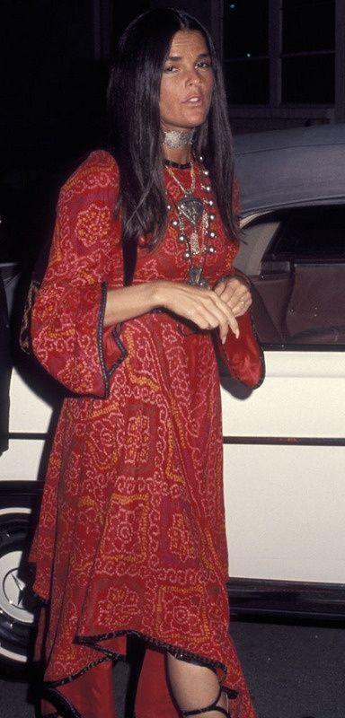 Ali McGraw 1970s   Pretty woman in vintage style bohemian dress   #thejewelryhut