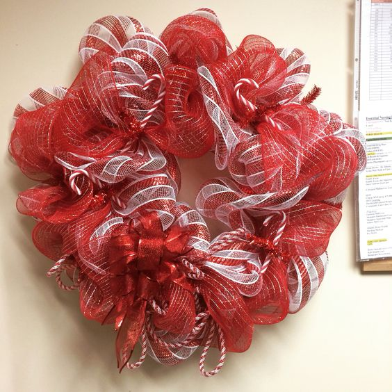 Candy cane deco mesh wreath #deco #mesh #christmas #wreath #decomesh #xmas #wreaths