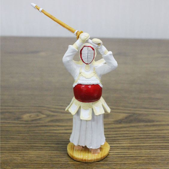 Kendo Doll Miniature Windup Motion Men Strike Red Do Display Desk Deco Gifts Toy