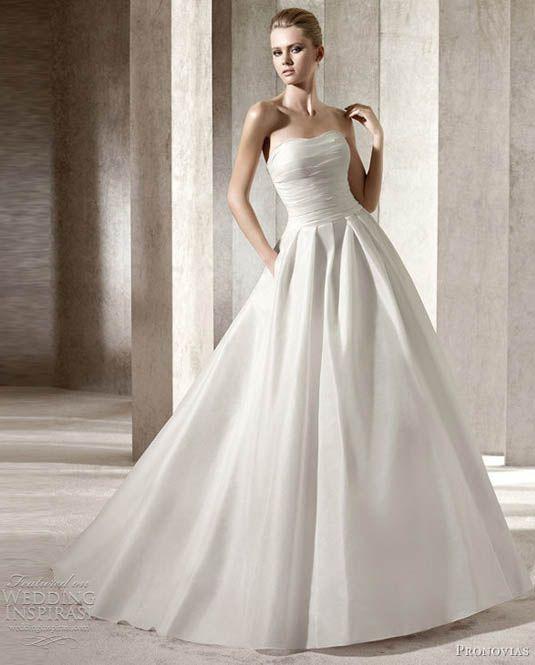 Designer Gowns Pronovias Strapless