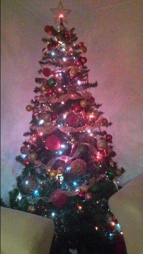 Ya quedo el arbolito :), ahora si listas para la Navidad!!!