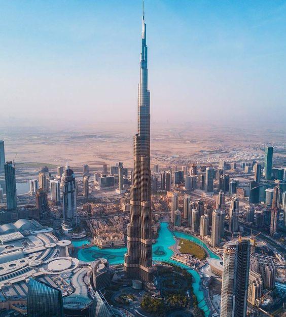 visiting the burj khalifa observation deck at the top the tower info. Black Bedroom Furniture Sets. Home Design Ideas