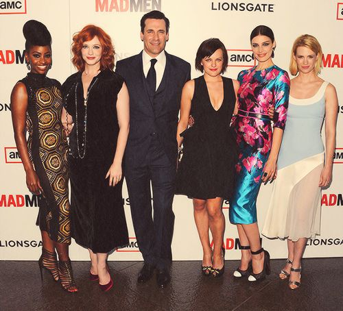 Cast photo at the Mad Men Season 6 Premiere, March 20, 2013. I like Teyonah's hair.
