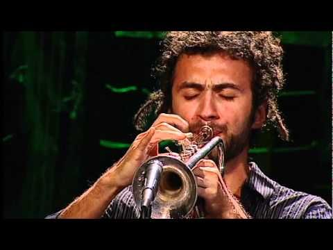 ▶ Bixiga 70 - Deixa a Gira Girar (Mateus Aleluia/Dadinho) - Instrumental SESC Brasil