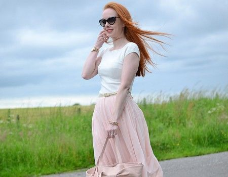 OUTFIT | The Pink Chiffon Skirt Vs The Wind