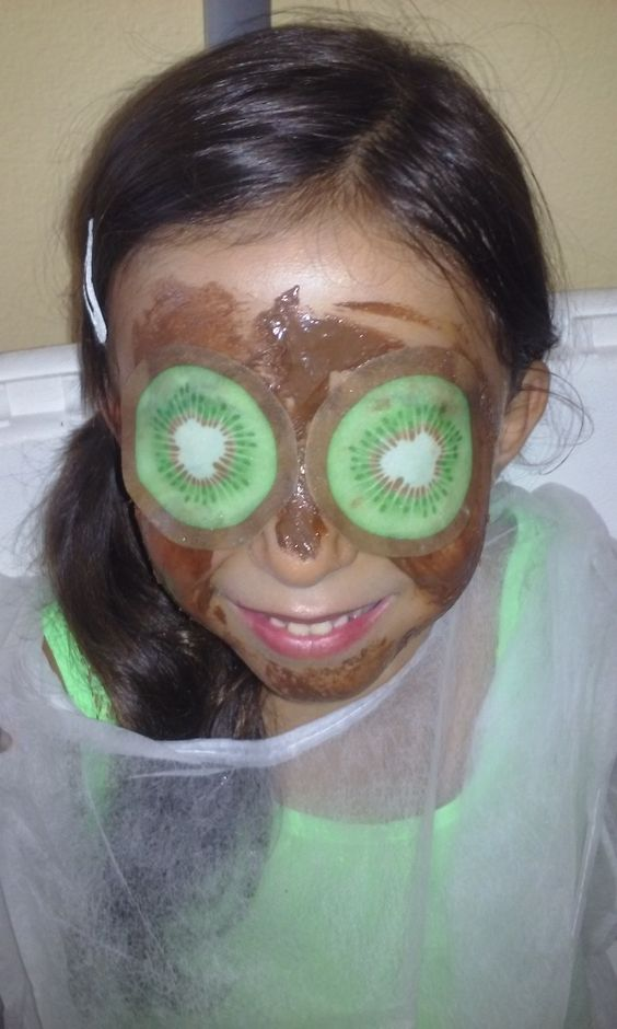 Hello Kitty Facial de Chocolate  #eileennails #Bday #BdaySpa