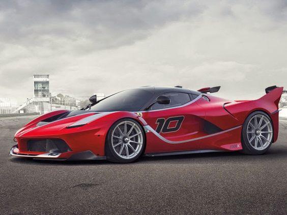 Carros em Fotos: Sebastian Vettel tem dia de diversão a bordo da Ferrari FXX K