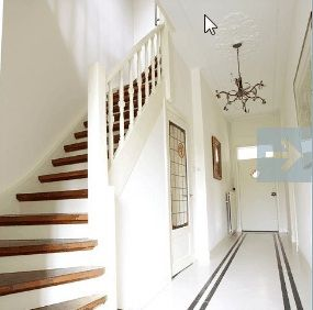 Jaren 30 hal witte trap met houten treden waanzinnig mooi voor in ons nieuwe huis home - Hal ingang design huis ...