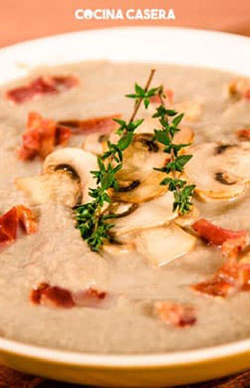 Los Champiñones Son Uno De Los Hongos Más Consumidos Tiene Mucho Valor Nutricional Y Además Puedes Hacer Muchísimas In 2020 Vegetarian Recipes Recipes Food Recipies
