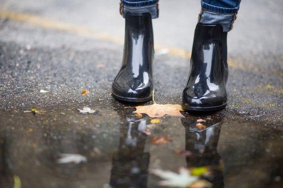 TRENCH COAT ( SIMILAR ) | | SWEATER  | | DENIM  | | RAIN BOOTIES  | | PURSE ( SIMILAR ) | | EARRINGS  | | LIPS: 'B...