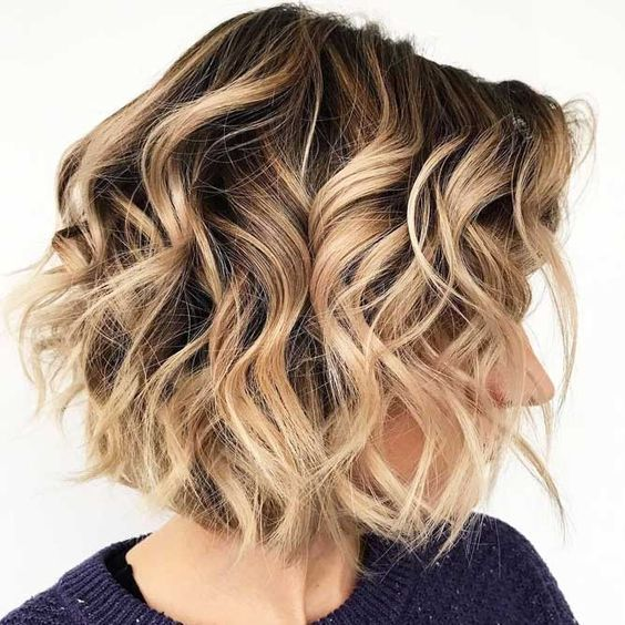 30 Easy And Cute Styling Ideas To Get Beach Waves For Short Hair Short Hair Waves Beach Waves For Short Hair How To Curl Short Hair