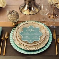 Exquisite Mint & Gold Wedding Inspiration (Image via Ruffled)