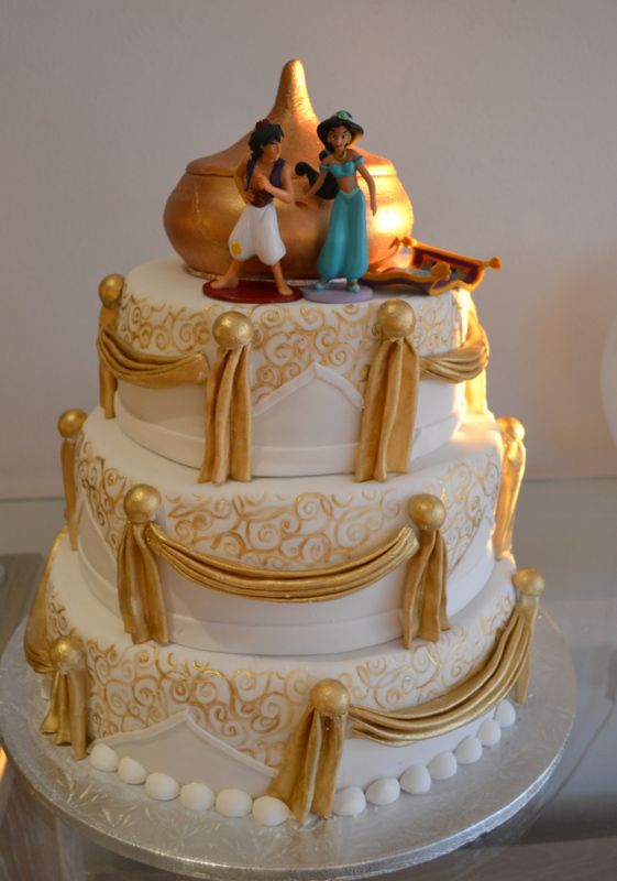 Gold and white draped Aladdin cake:
