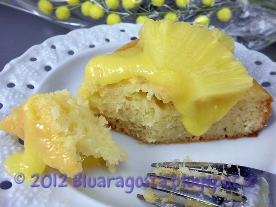 Blu aragosta: Torta all'ananas con curd di ananas